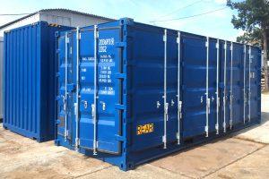 Niebieski kontener morski